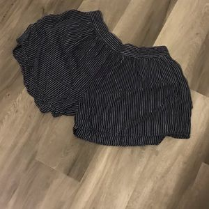 Loose Fitting Navy Stripped GAP Shorts S Stretchy